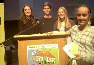 2019-20 Zwei Sieger, ein 2. und ein 3. Platz beim Redewettbewerb aus der HLW und der HAK Landeck