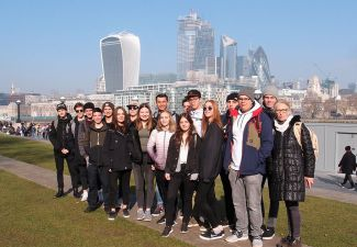 2018-19 Die Schüler/innen der MEDIA.HAK Landeck auf Projektwoche in England