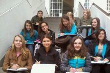 """2013-14 Besuch des """"Kunstraum Innsbruck"""" durch die 1HWB"""