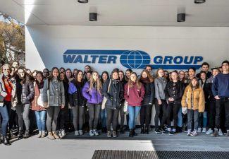 2019-20 Schüler/innen der HAK und der HLW Landeck auf Exkursion bei LKW Walter in Kufstein